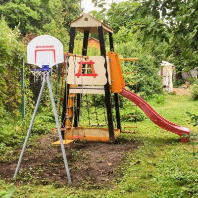 Детский спортивный комплекс для дачи ROMANA Избушка (качели пластиковые)_4